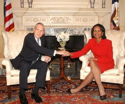 Der niederländische Außenminister Bernard Bot zu Besuch bei seiner amerikanischen Amskollegin Condoleezza Rice in Washington (23 Oktober 2006)