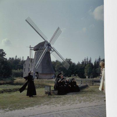 Nicht nur, aber auch Religiösität und Windmühlen beschäftigt sich die Europäische Ethnologie.